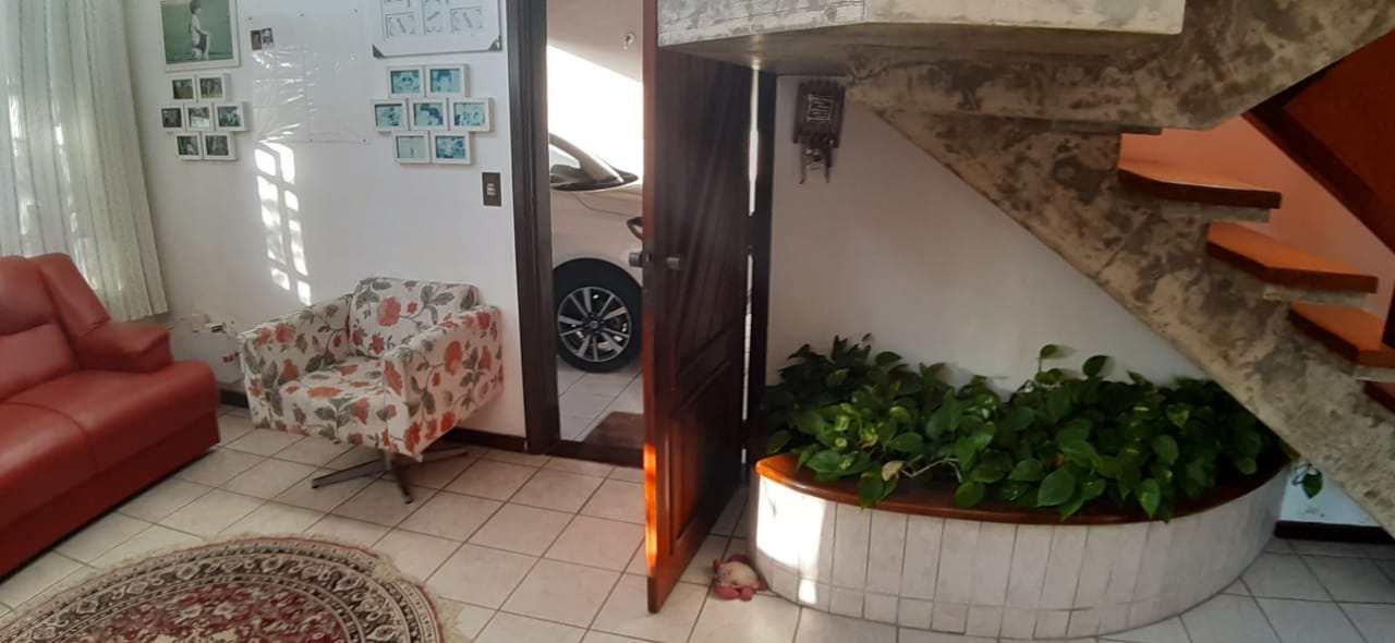 Sobrado com 4 dorms, Centro, Itanhaém - R$ 1.3 mi, Cod: 5523