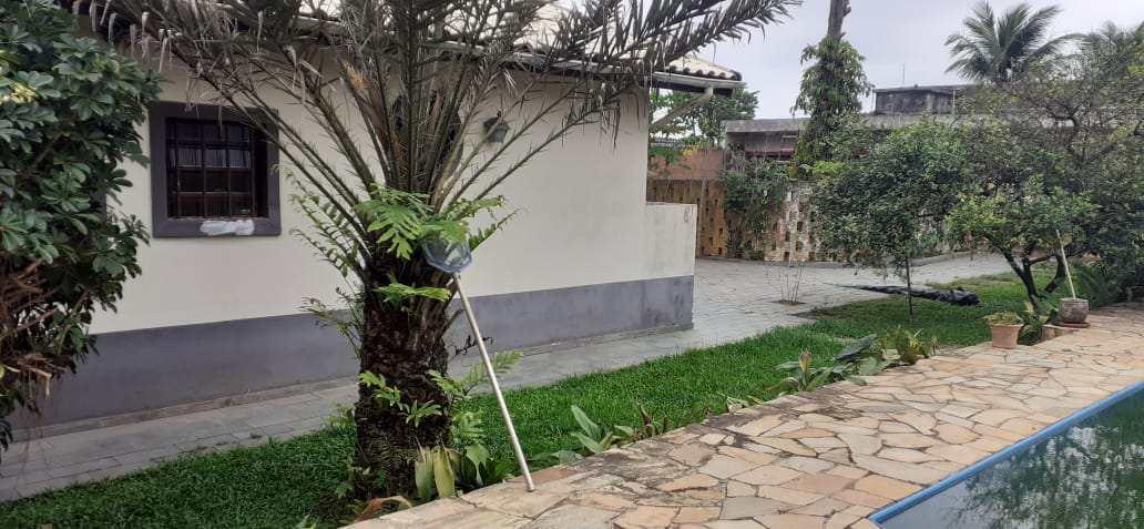 Casa com 3 dorms, Suarão, Itanhaém - R$ 1 mi, Cod: 5543