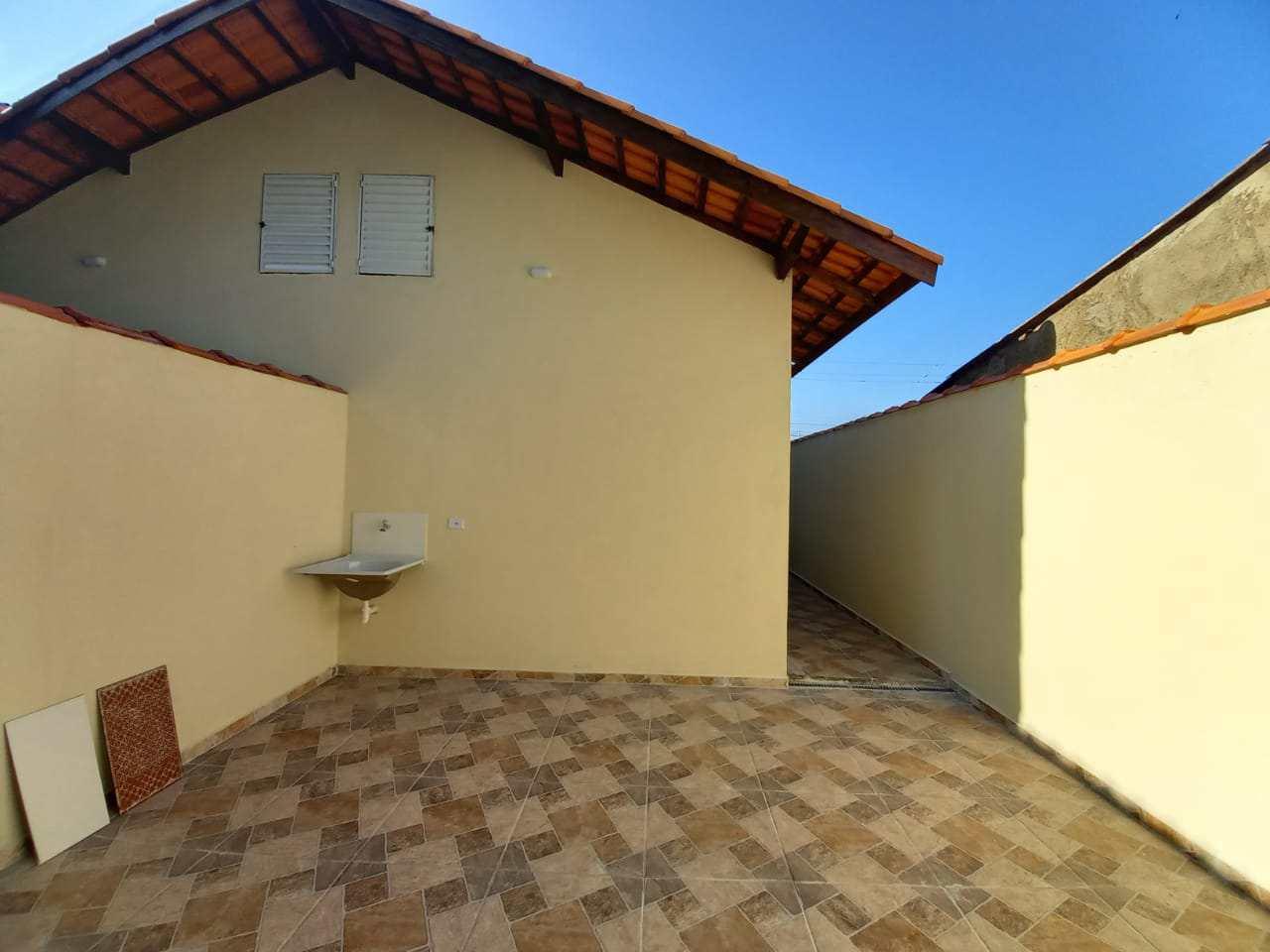 Casa com 2 dorms, Jardim Magalhães, Itanhaém - R$ 220 mil, Cod: 5636