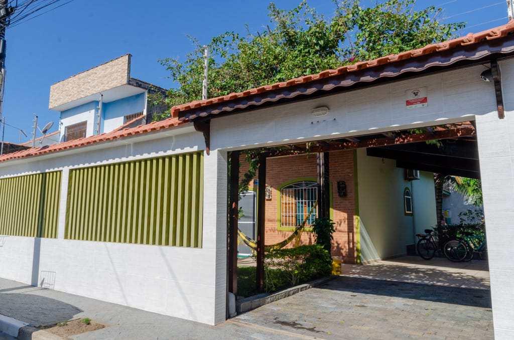 Casa com 3 dorms, Jardim Suarão, Itanhaém - R$ 550 mil, Cod: 5641