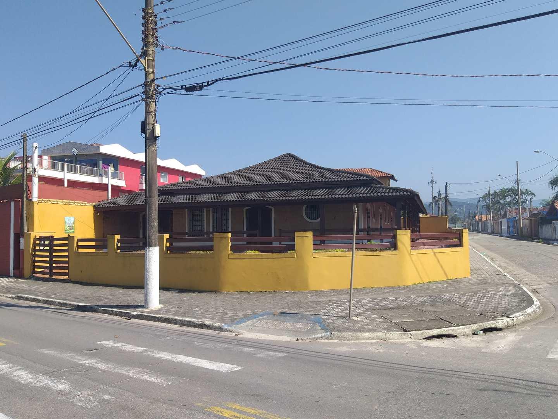 Casa com 4 dorms, Vila Oceanopolis, Mongaguá - R$ 850 mil, Cod: 246500