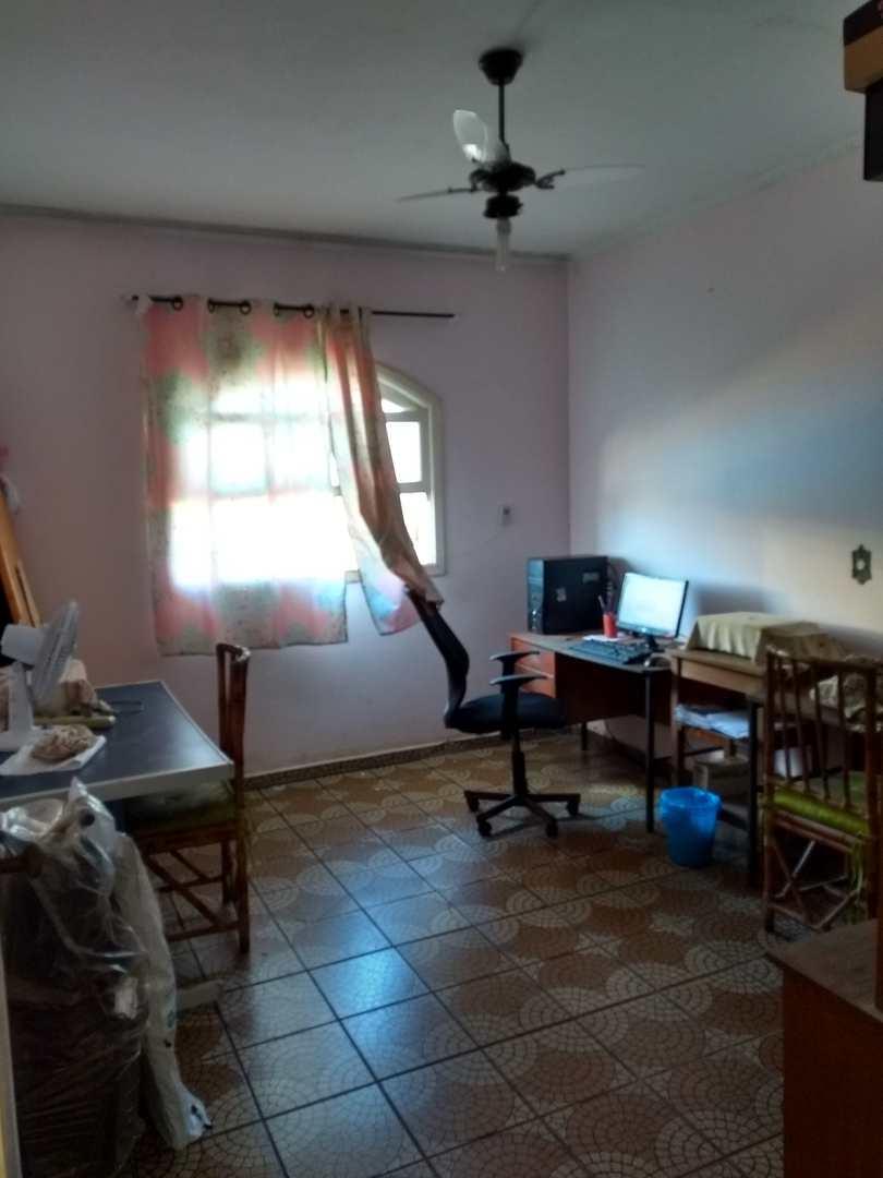 Sobrado com 4 dorms, Vila Vera Cruz, Mongaguá - R$ 450 mil, Cod: 210400