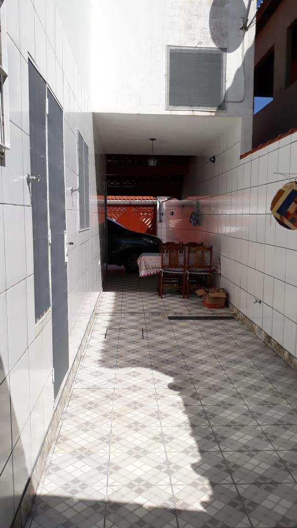 Sobrado com 3 dorms, Balneário Regina Maria, Mongaguá - R$ 280 mil, Cod: 286755
