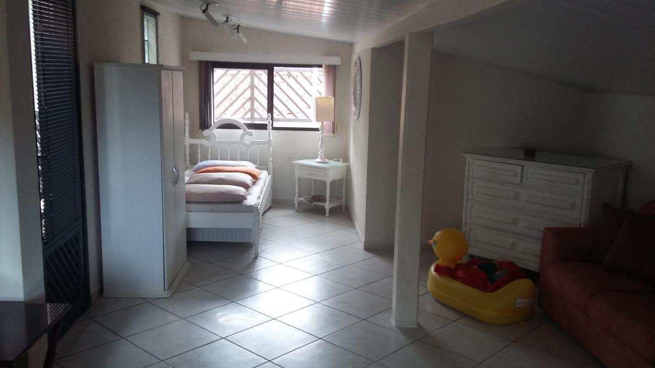 Casa com 5 dorms, Vila São Paulo, Mongaguá - R$ 550 mil, Cod: 286766