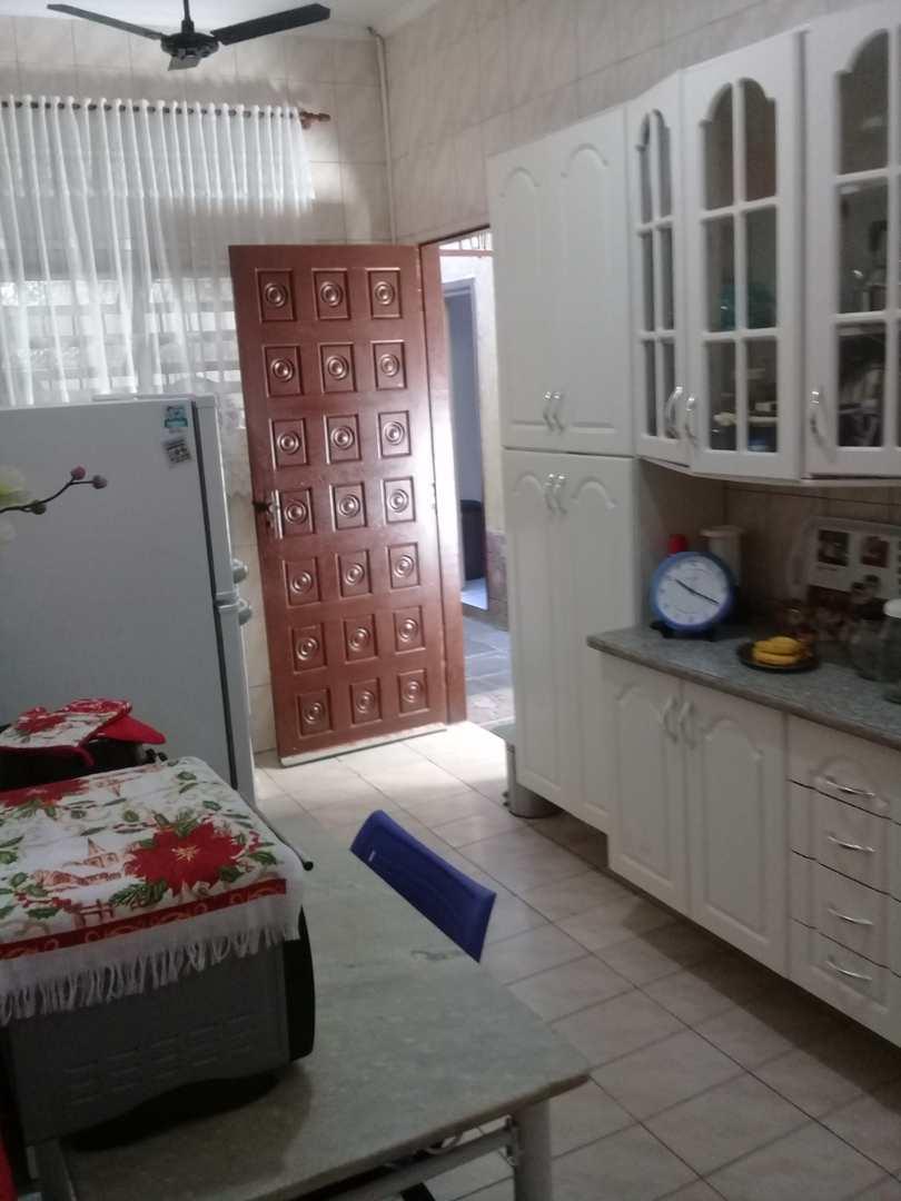 Casa com 2 dorms, Cidade da Criança, Praia Grande - R$ 180 mil, Cod: 286817