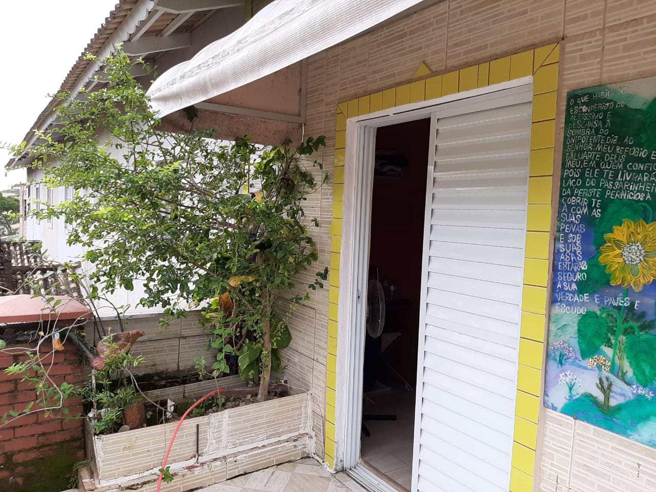 Sobrado com 2 dorms, Vera Stella, Mongaguá - R$ 200 mil, Cod: 286994