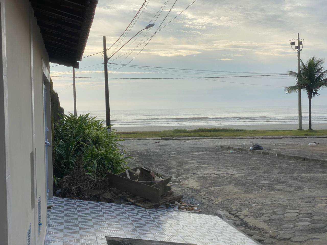 Casa com 2 dorms, Parque Marinho, Mongaguá - R$ 340 mil, Cod: 287143