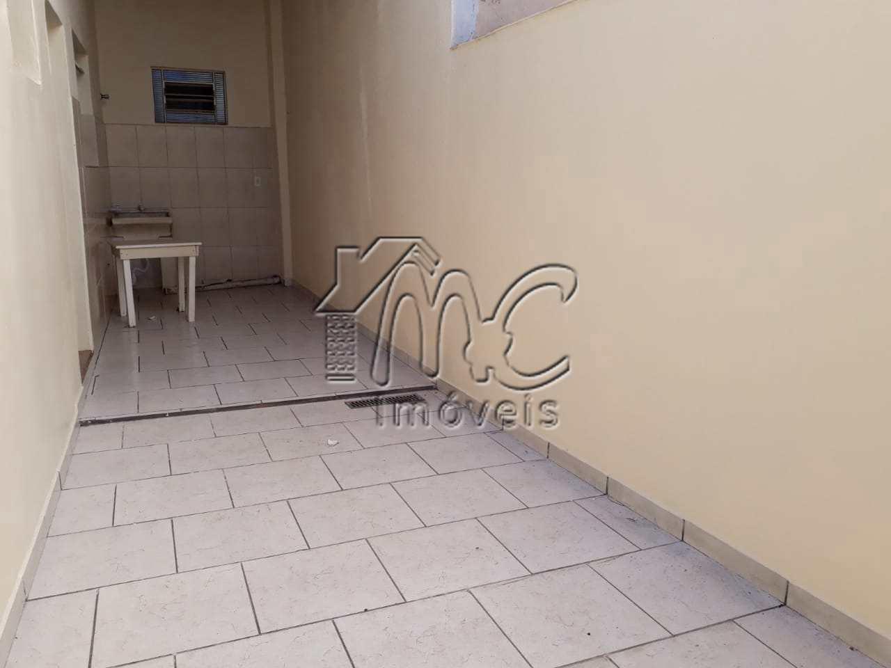Casa com 3 dorms 1 suíte para locação em Soorcaba-SP.
