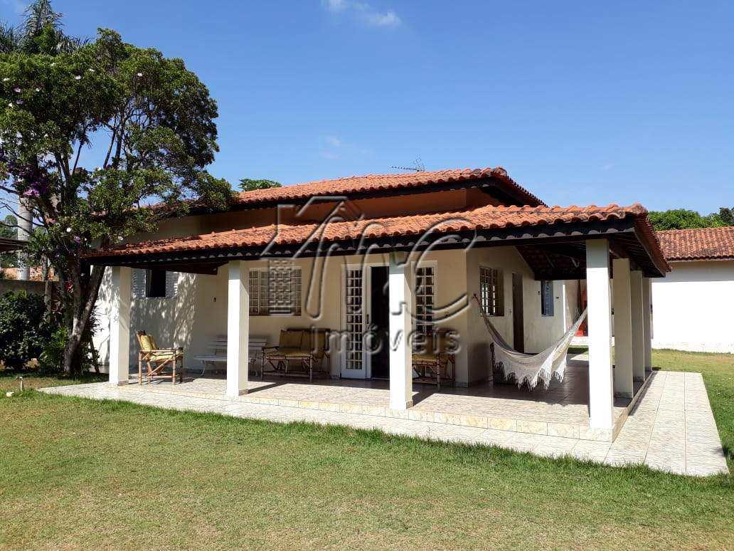 Chácara com 3 dorms, Bosque dos Eucaliptos, Araçoiaba da Serra - R$ 350 mil, Cod: CH8546