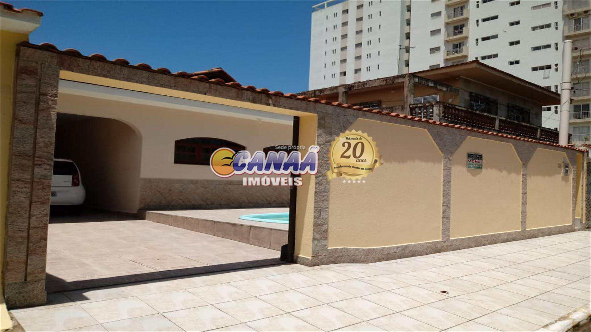 Casa em Praia Grande com piscina, na praia REF. 7102