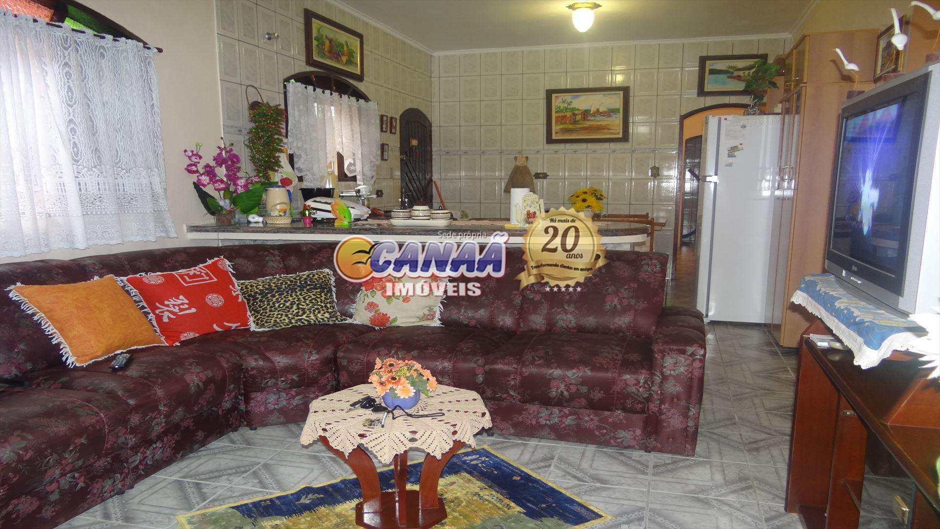 Casa em Mongaguá...com pisicna !!!