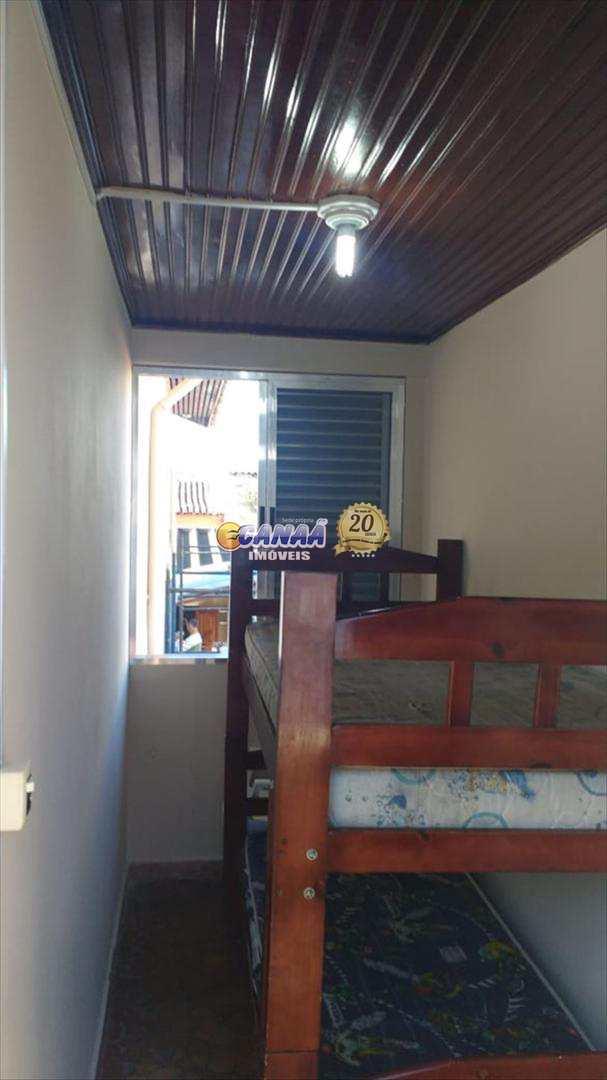 Casa em Mongaguá com 02 dormitórios
