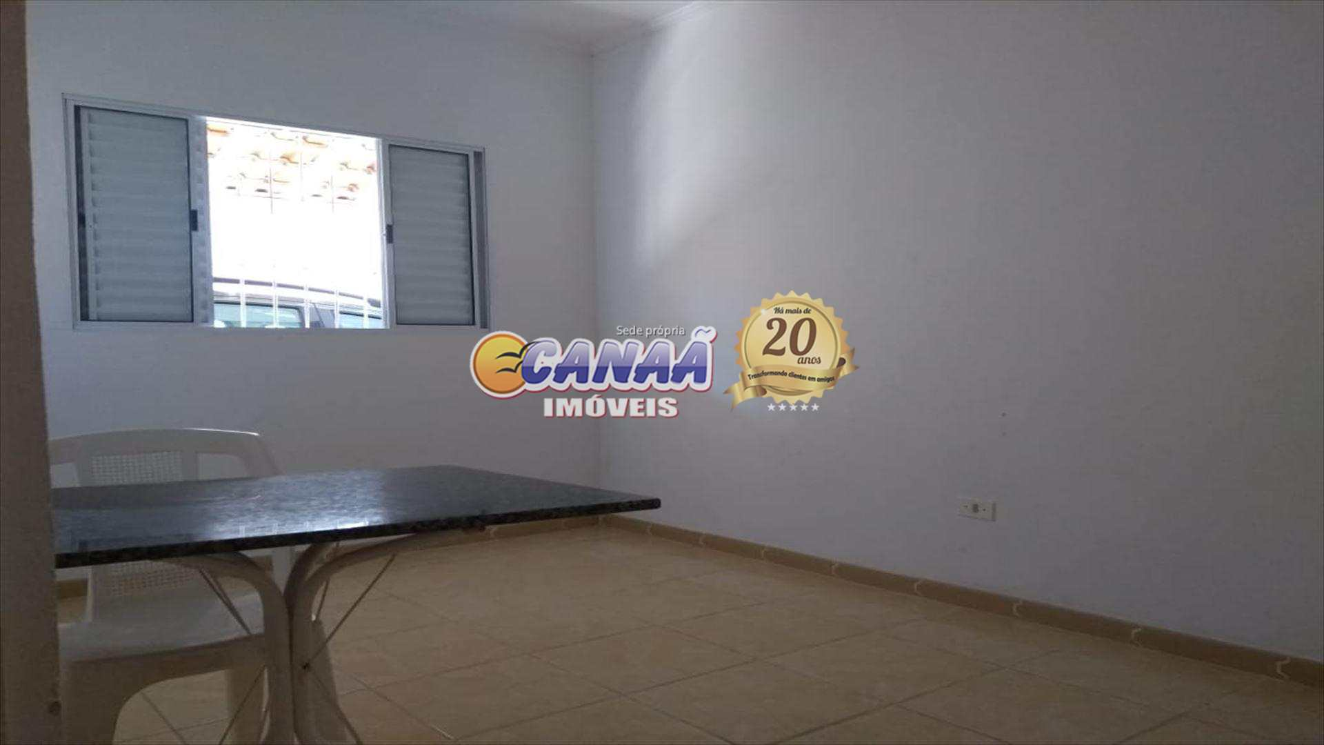 Casa em Itanhaém... ótima localização !!!