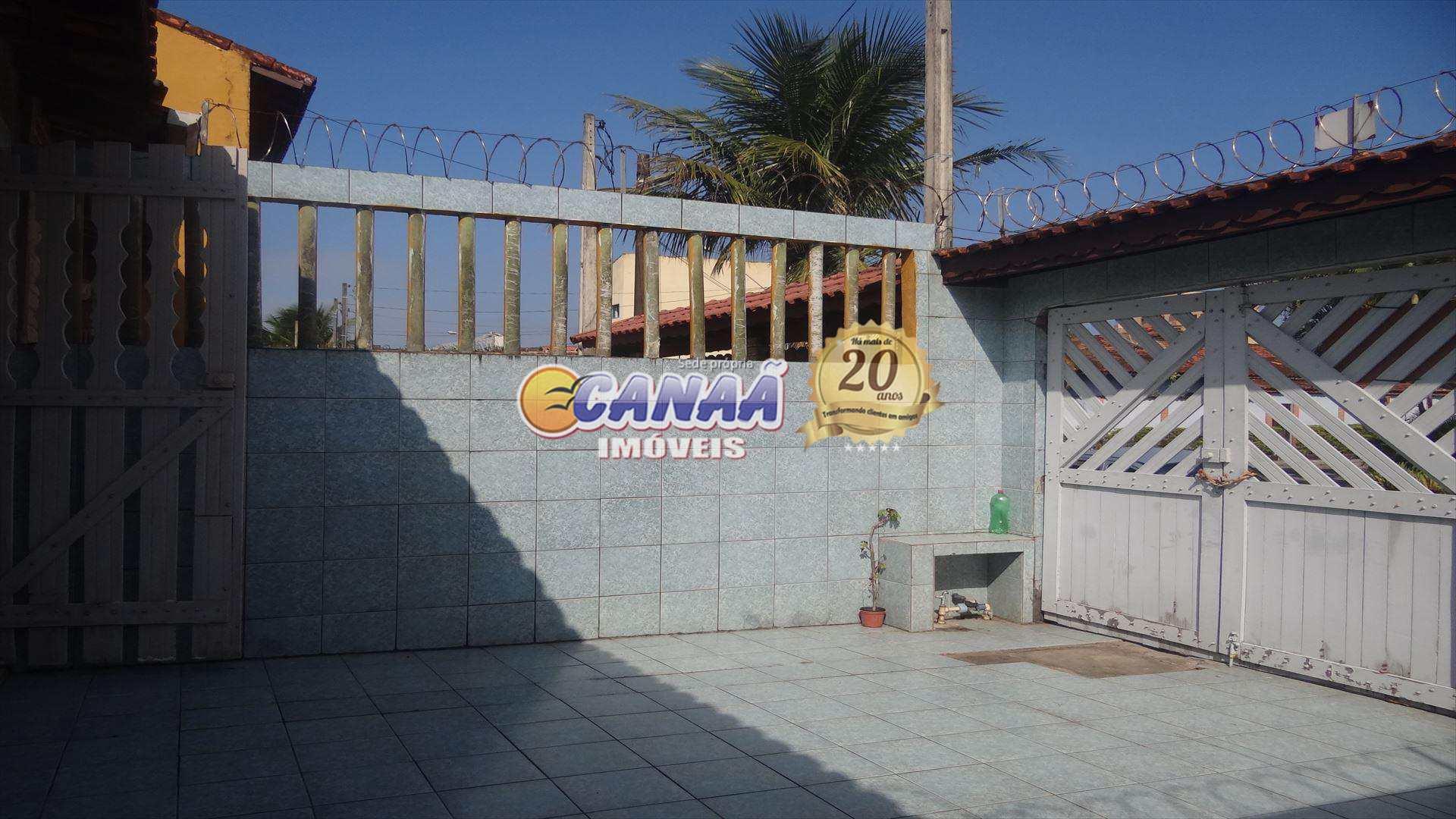 Casa perto da plataforma lado praia Mongaguá R$ 180 mil.