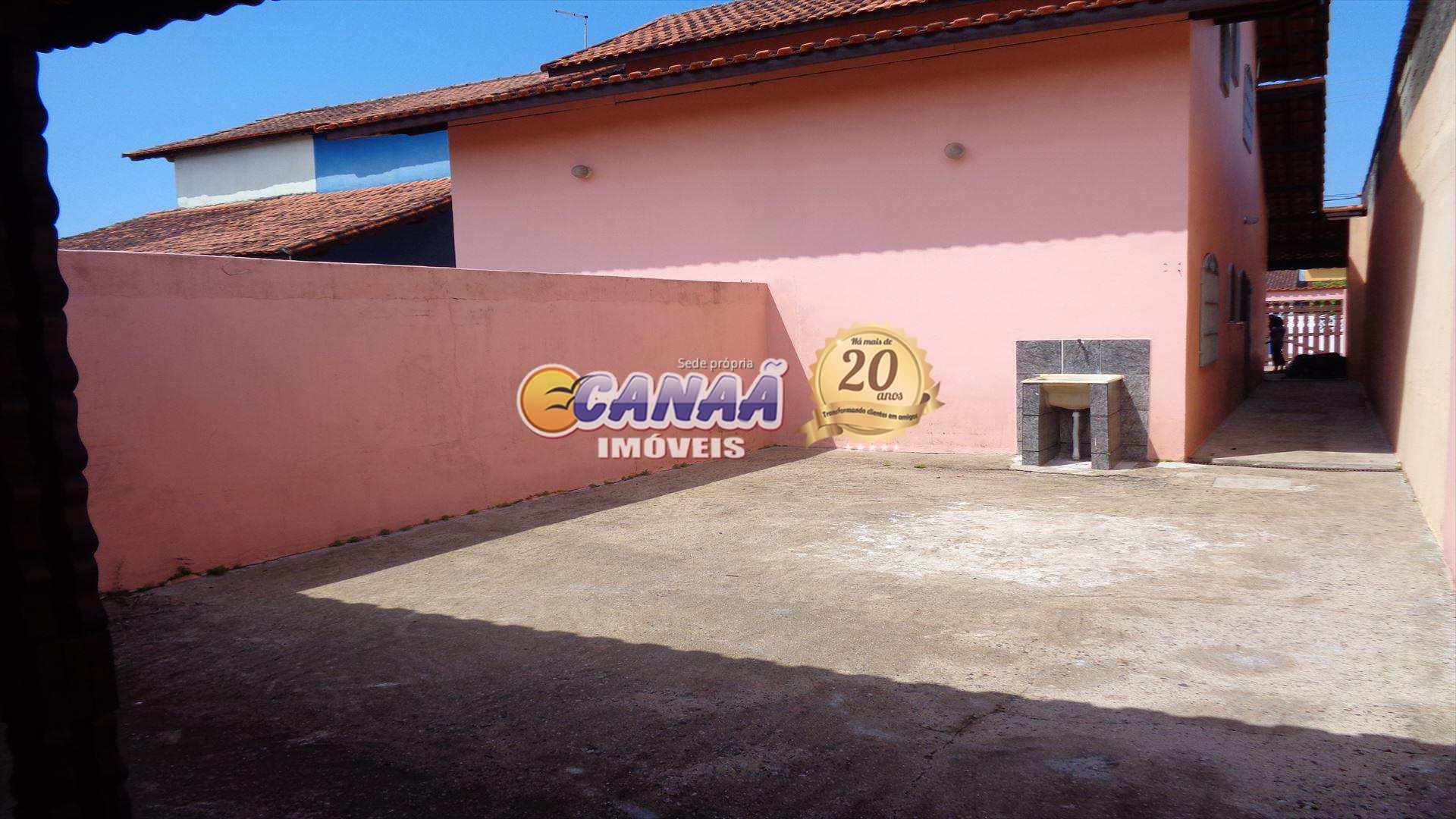 Sobrado com 3 dorms, Balneário Itaguai, Mongaguá - R$ 220 mil, Cod: 5339