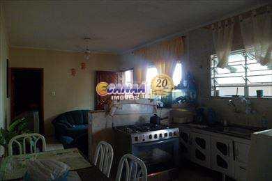 Casa em Mongaguá, ótima localização!