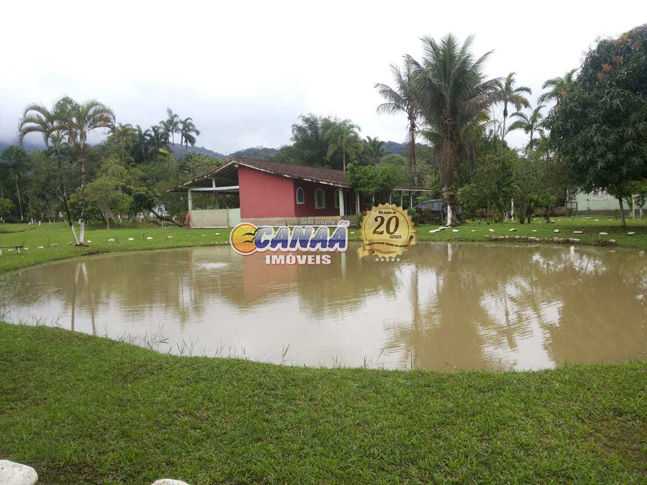 Chácara com 2 dorms, Agenor de Campos, Mongaguá - R$ 680 mil, Cod: 7284
