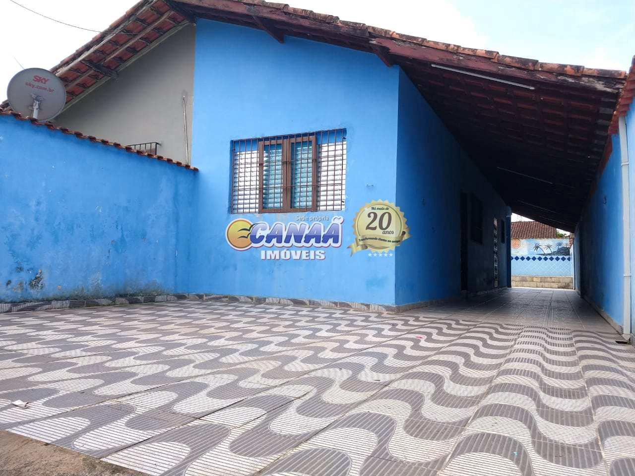 Casa com piscina na praia Mongaguá.