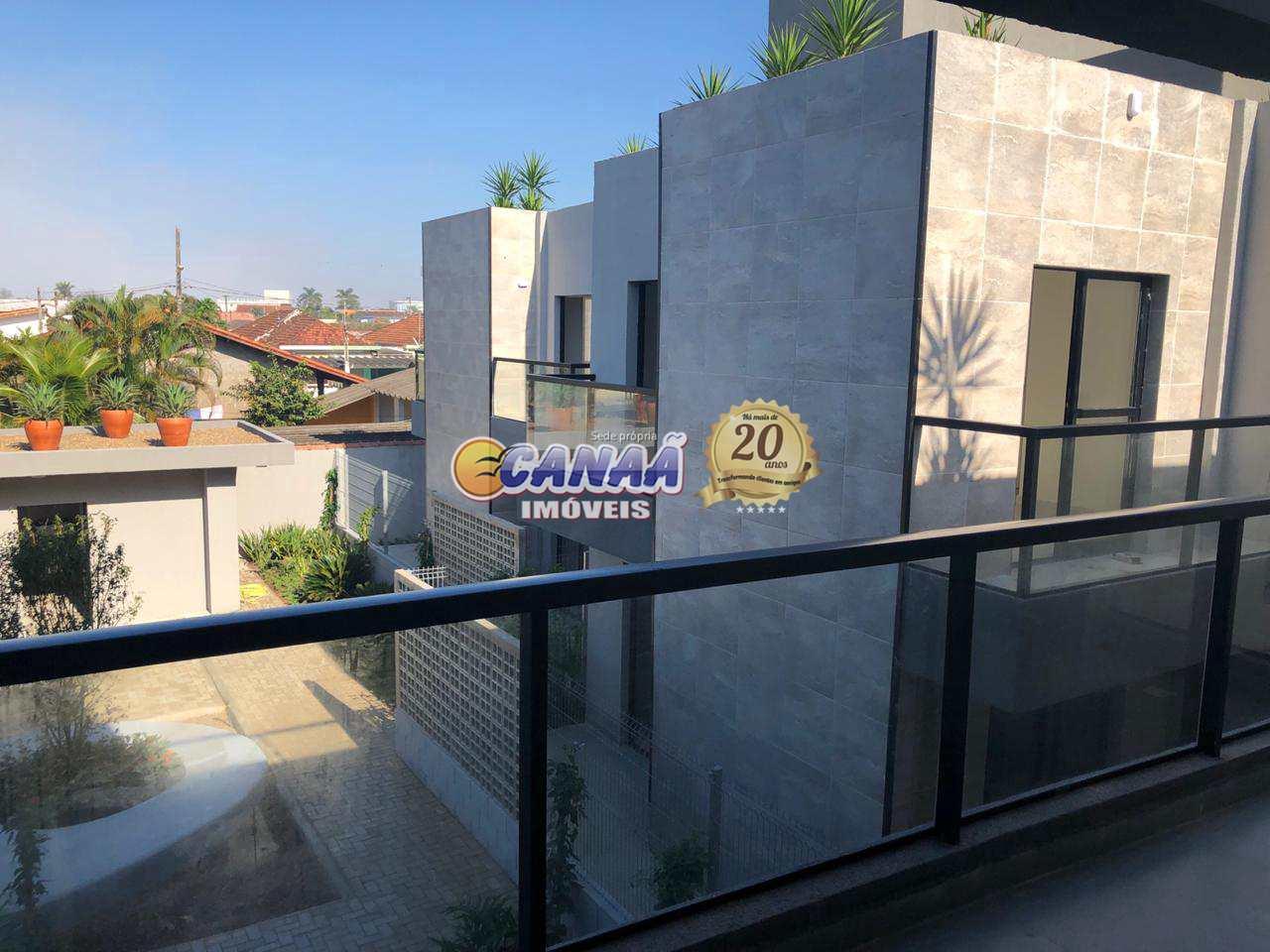 Casa de Condomínio com 2 dormitórios em Itanhaém, lado praia