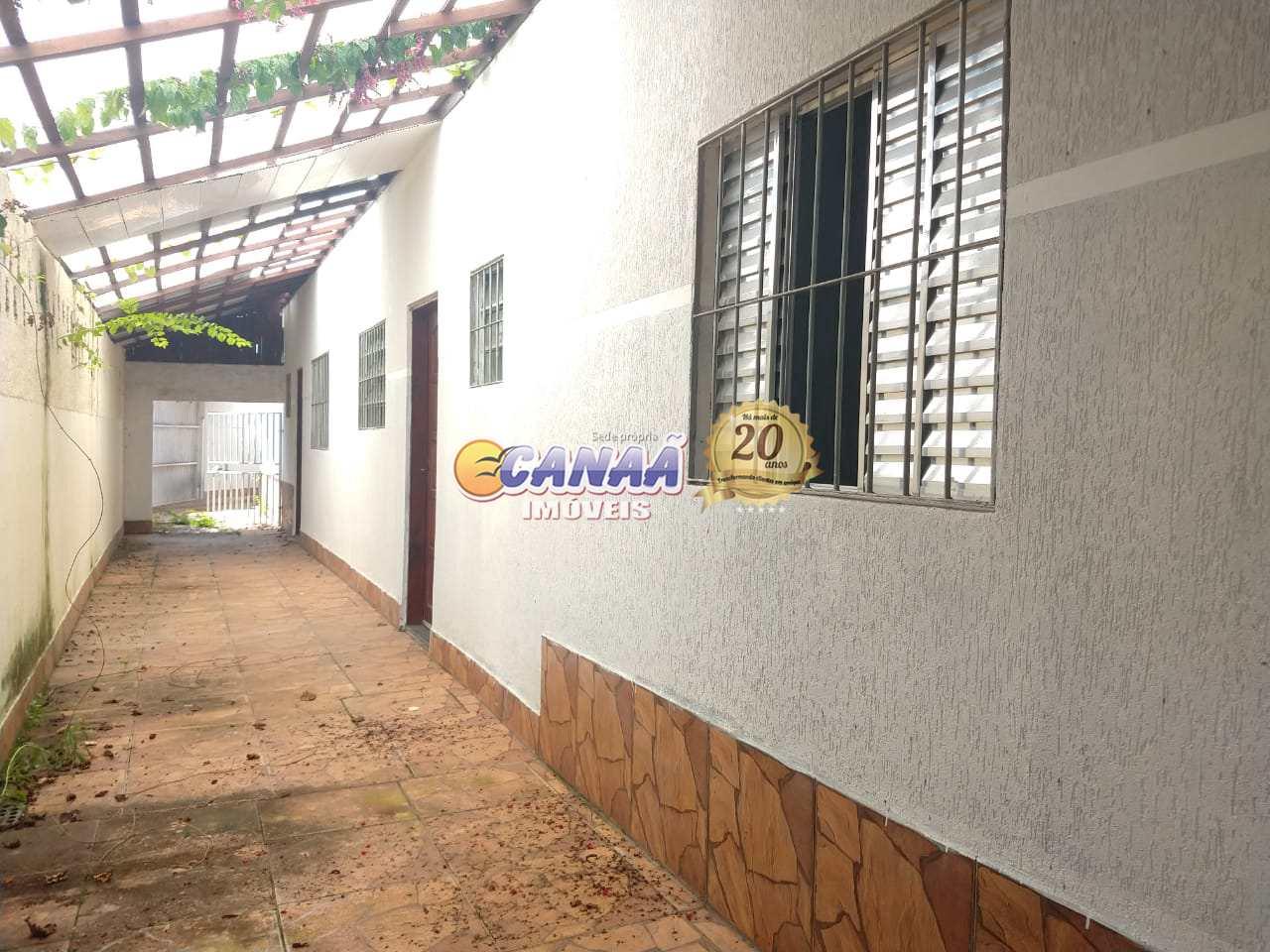 Casa com 2 dormitórios em Mongaguá - R$ 150 mil, Cod: 7716