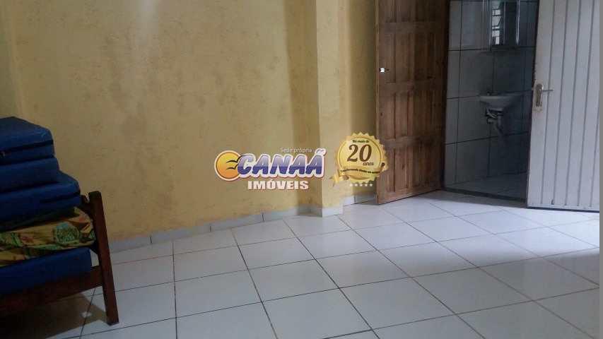 Casa com 3 dormitórios em Mongaguá - R$ 250 mil, Cod: 7757