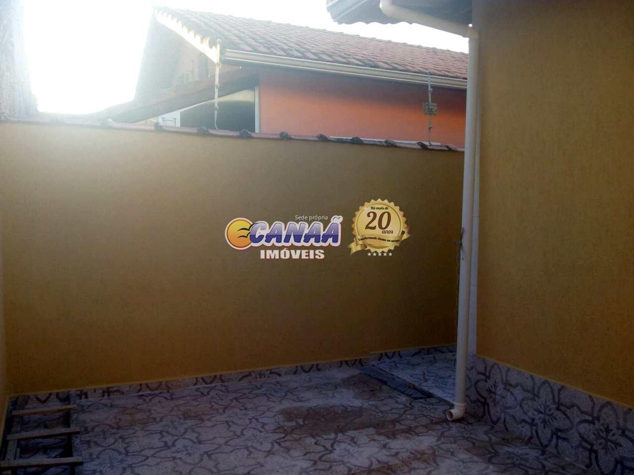 Casa em Mongaguá bairro Vera Cruz .