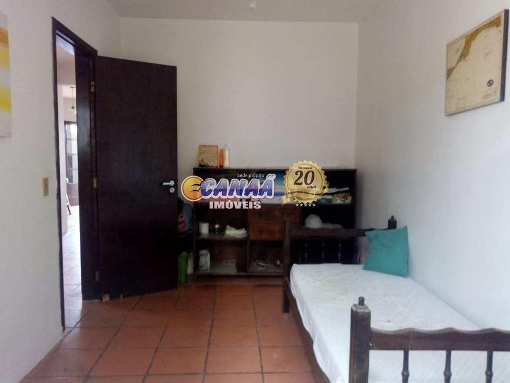 Sobrado em Agenor de Campos, Mongaguá - R$ 450 mil, Cod: 8311