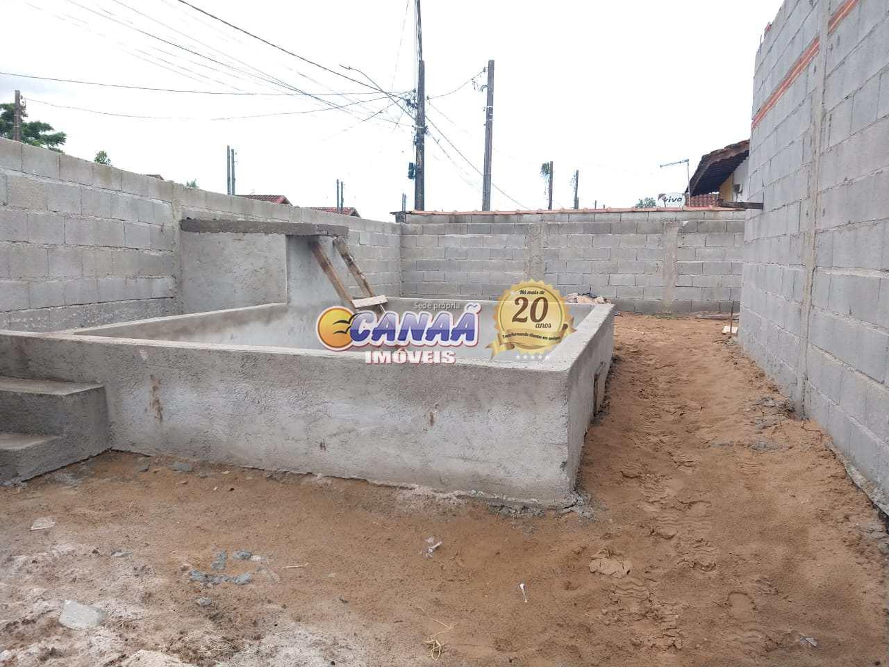 Imóvel com 2 dormitórios em Mongaguá