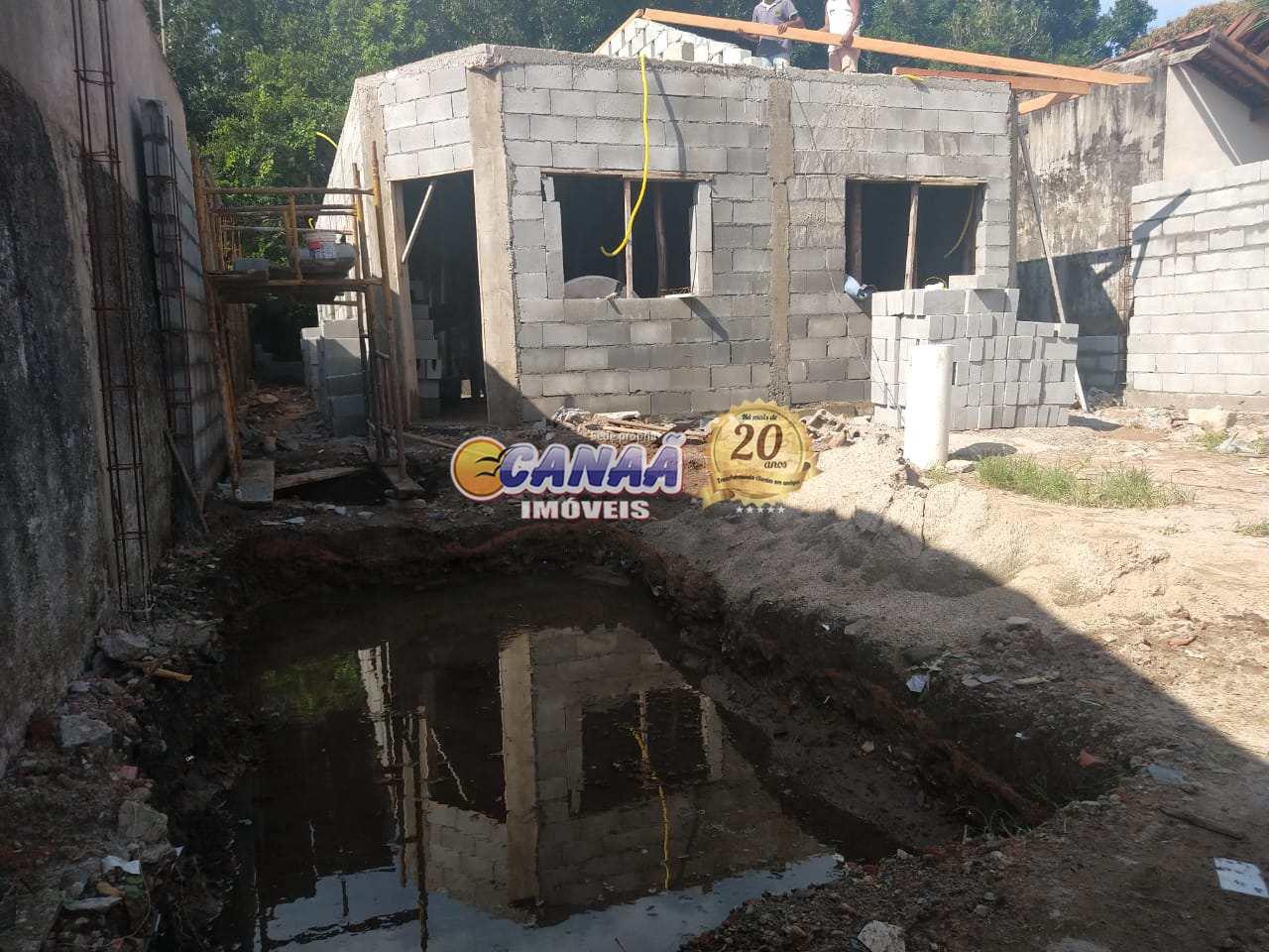 Casa com piscina em Itanhaém, ótima localização