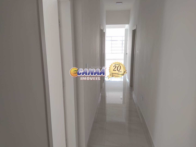 Linda casa com 4 dormitórios, Perto do Mar! Ref. 8455