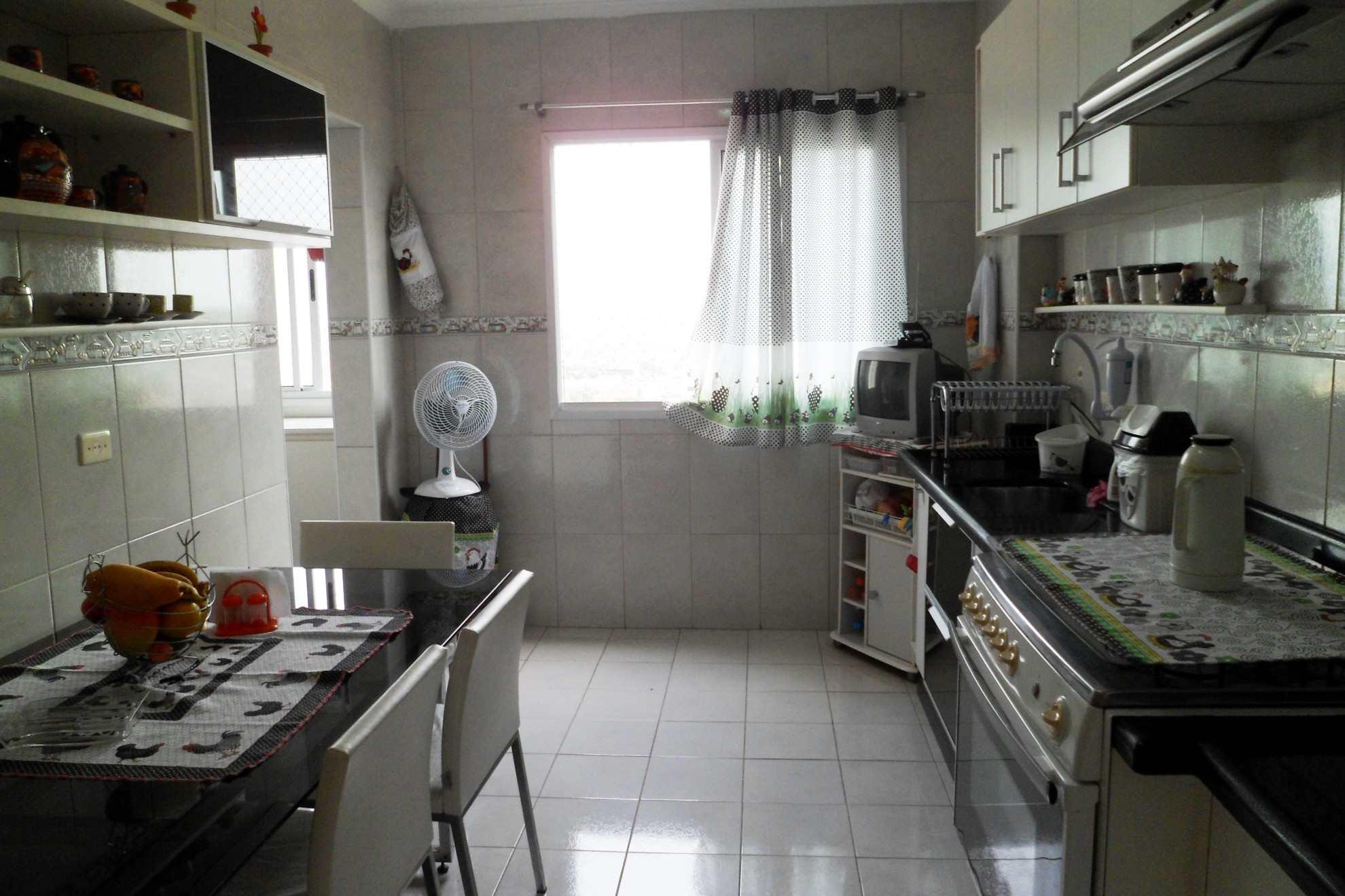 15-Apartamento- 02 dormitórios- Aviação- Praia Grande