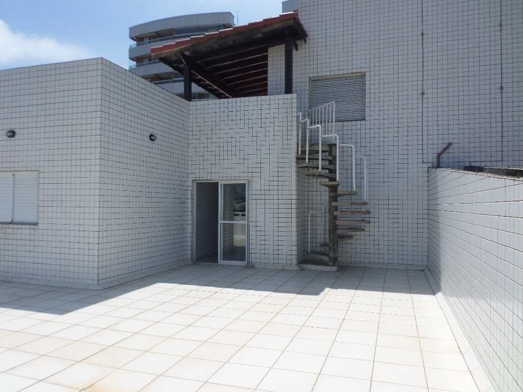 28-Cobertura- 05 dormitórios- Forte- Praia Grande