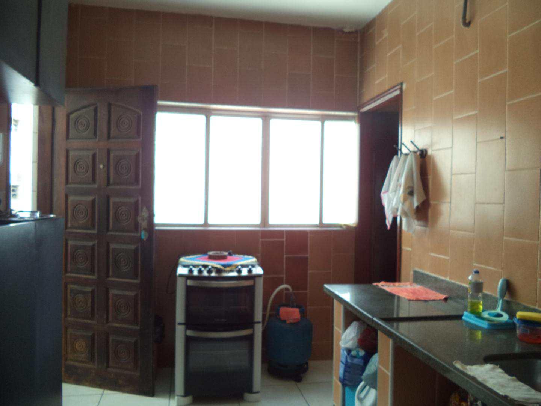 06- Apartamento- 02 dormitórios- Guilhermina- Praia Grande