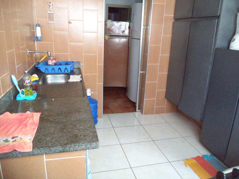 07- Apartamento- 02 dormitórios- Guilhermina- Praia Grande