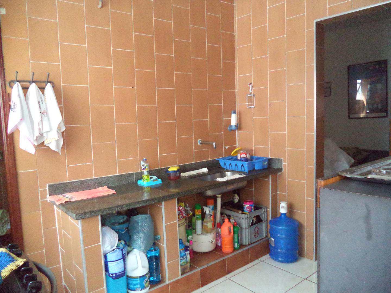 05- Apartamento- 02 dormitórios- Guilhermina- Praia Grande
