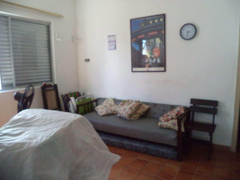 01- Apartamento- 02 dormitórios- Guilhermina- Praia Grande