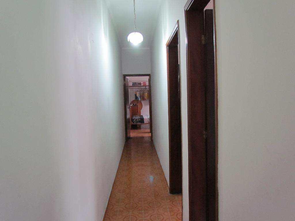 09-Casa geminada no Canto do Forte em Praia Grande
