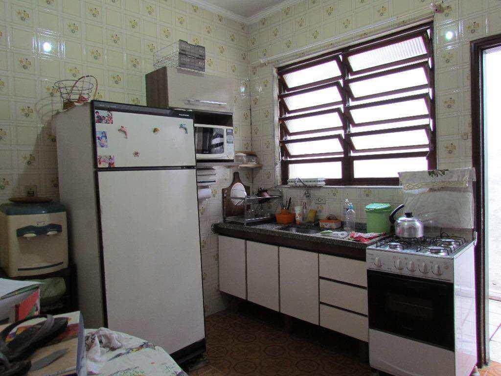 04-Casa geminada no Canto do Forte em Praia Grande