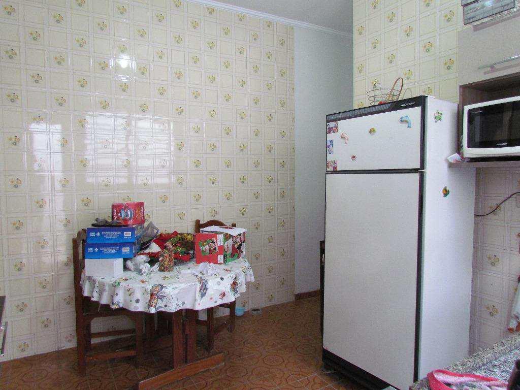 06-Casa geminada no Canto do Forte em Praia Grande