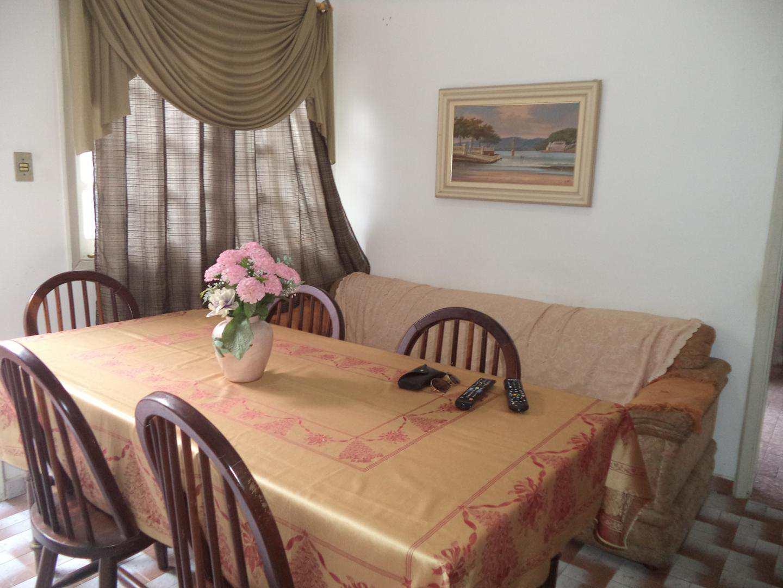 06-Casa 2 dorm no Boqueirao em Praia Grande
