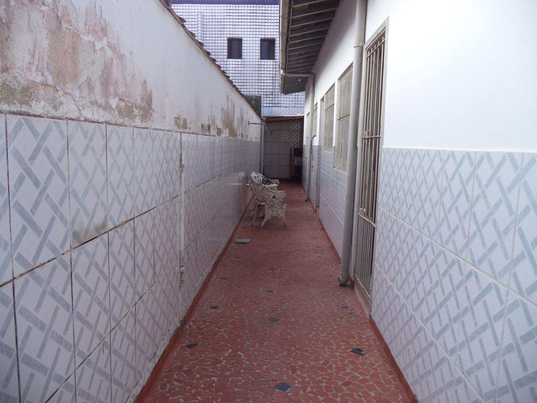 04-Casa 2 dorm no Boqueirao em Praia Grande