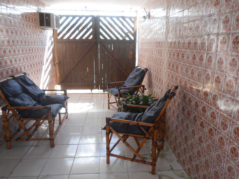 21-Casa- 2 dormitórios- Ocian- Praia Grande