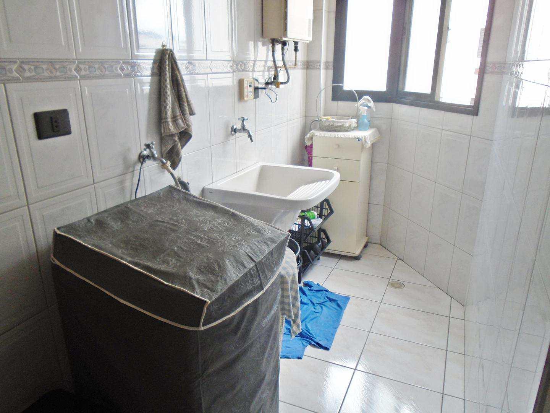 12 - Apartamento - 03 dormitórios - Tupi