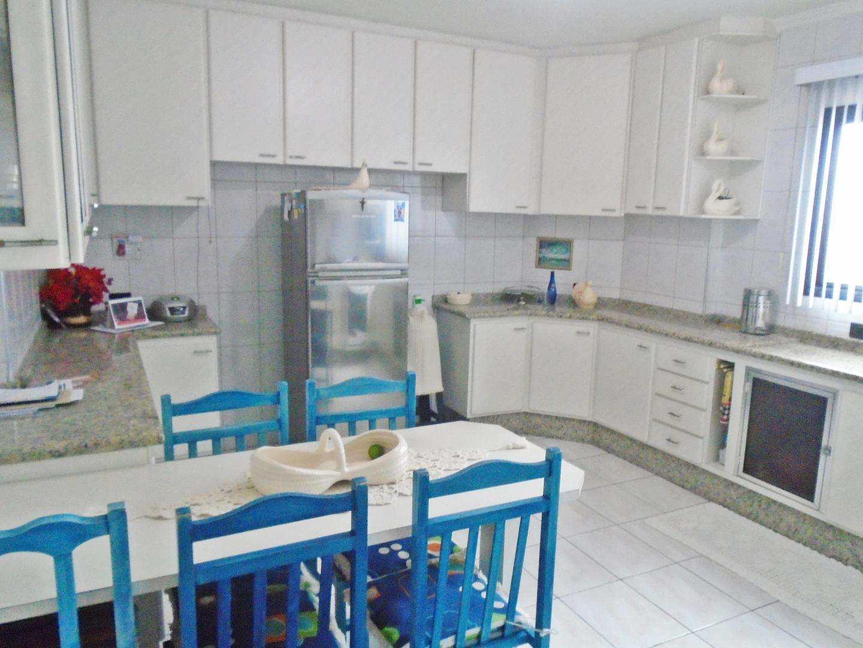 09 - Apartamento - 03 dormitórios - Tupi