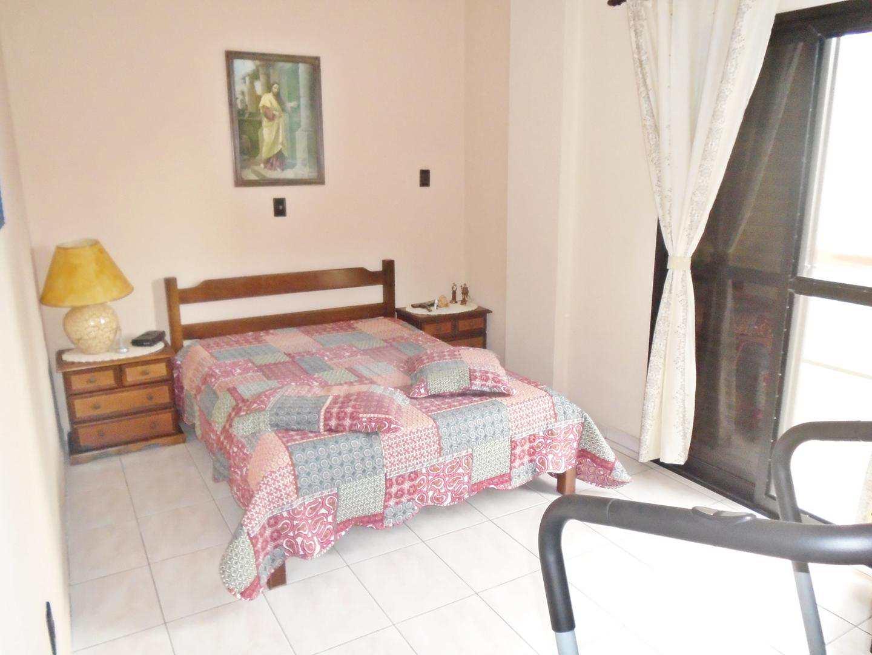 18 - Apartamento - 03 dormitórios - Tupi