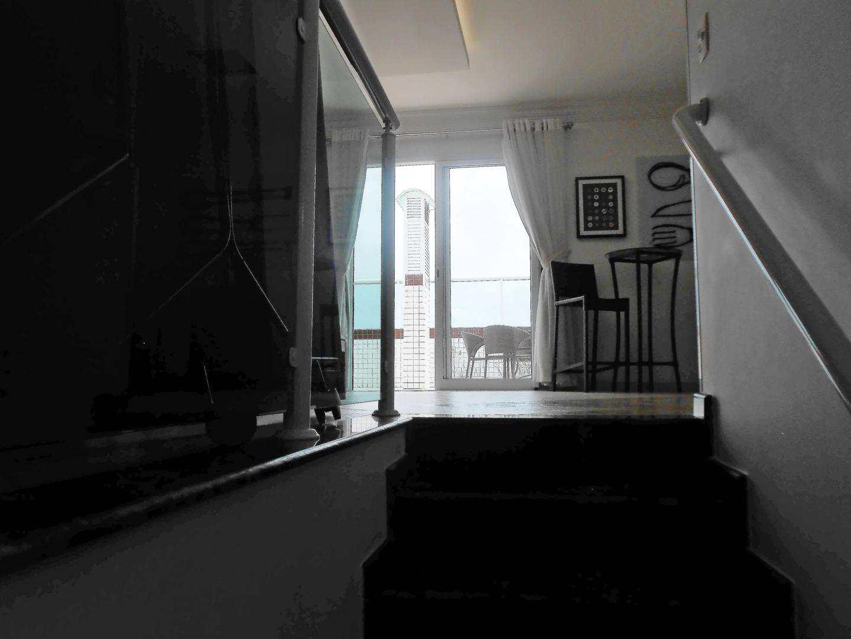 46-Cobertura- 03 dormitórios- Ocian- Praia Grande