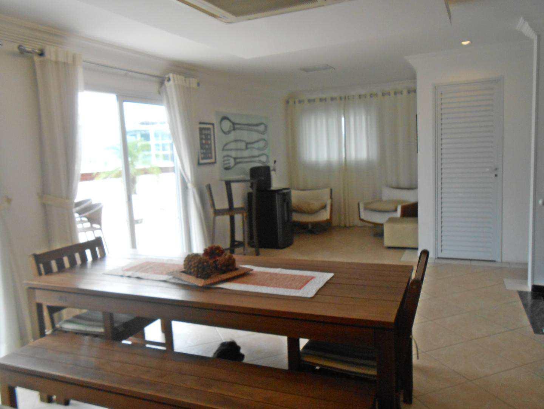 53-Cobertura- 03 dormitórios- Ocian- Praia Grande