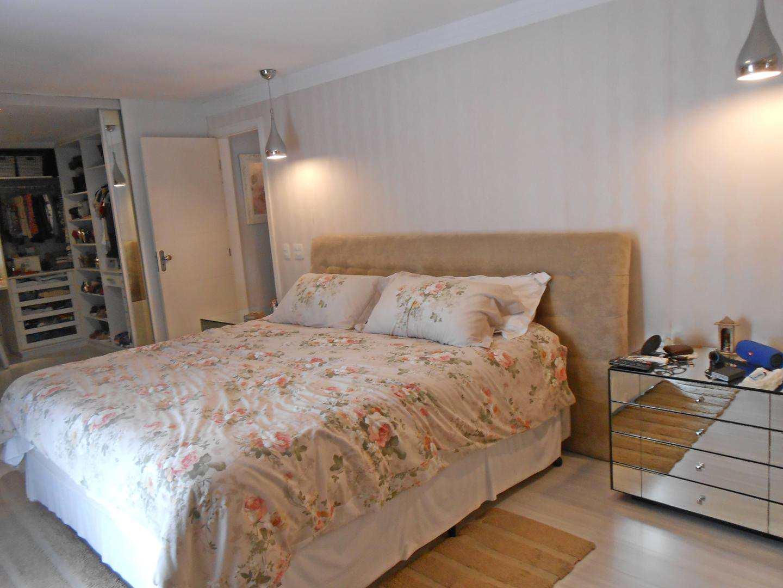 36-Cobertura- 03 dormitórios- Ocian- Praia Grande