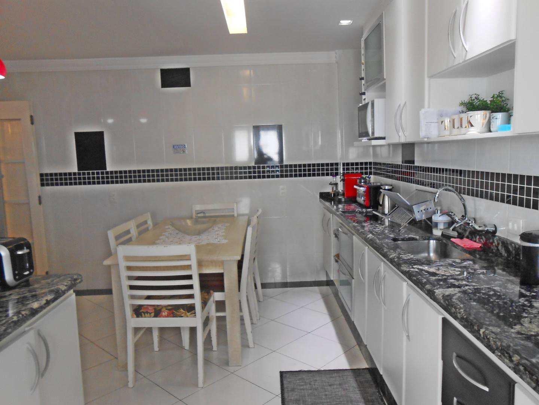 16-Cobertura- 03 dormitórios- Ocian- Praia Grande