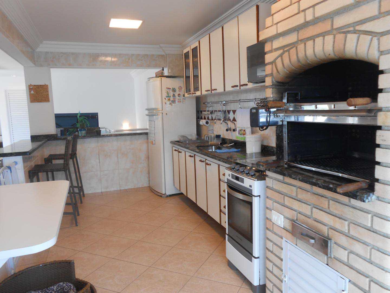 49-Cobertura- 03 dormitórios- Ocian- Praia Grande